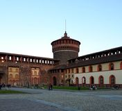 Una delle torri del castello di Sforza a Milano Immagini Stock Libere da Diritti
