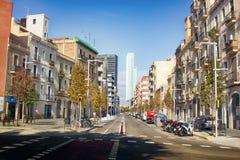Una delle vie secondarie di Barcellona fotografie stock libere da diritti