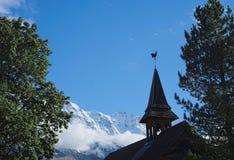 Una di due chiese in Murren (Berner Oberland, Svizzera) Fotografie Stock Libere da Diritti
