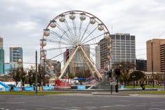 Una diversión de la noria en Victoria Square Adelaide South Austr Fotografía de archivo