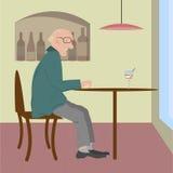 Una donna anziana che si siede in un caffè Immagine Stock