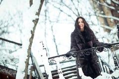 Una donna in una pelliccia Immagine Stock
