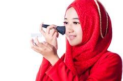 Una donna stava abbellendo Fotografie Stock Libere da Diritti
