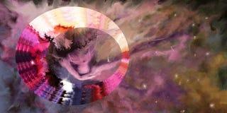 Una donna in un fondo del cielo nuvoloso Immagine Stock Libera da Diritti