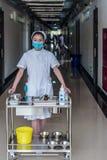 Una enfermera está trabajando Fotografía de archivo libre de regalías