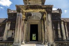 Una entrada interna de Angkor Wat Foto de archivo libre de regalías