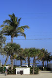 Una entrada a un Lauderdale por la playa del mar fotos de archivo