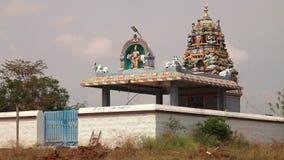 Una entrada a un templo indio almacen de metraje de vídeo