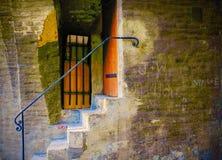 Una escalera del callejón sin salida foto de archivo