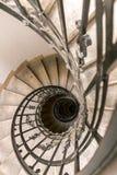Una escalera espiral en la catedral de Budapest Imagenes de archivo
