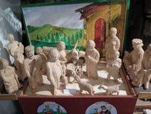 Una escena de la natividad hecha de la madera suave (capilla de Belén en Praga) Imagenes de archivo
