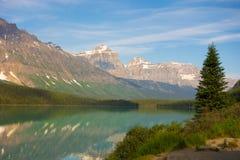 Una escena hermosa en las montañas rocosas fotos de archivo libres de regalías