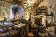 Una escena medieval de las grandes cocinas en Stirling Castle, Escocia imagen de archivo