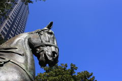 Una escultura del caballo en Dallas Fotos de archivo
