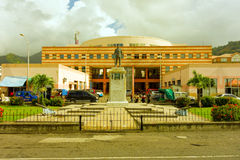 Una estatua conmemorativa en el Caribe Foto de archivo