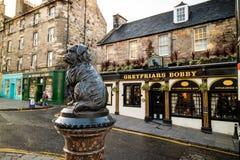 Una estatua de Greyfriars Bobby en Edimburgo fotografía de archivo libre de regalías