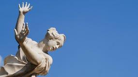 Una estatua de un grito de la mujer Imágenes de archivo libres de regalías