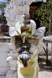 una estatua de una capilla del guarda, Nusa Penida, Indonesia Fotografía de archivo