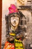 una estatua del guarda del templo, Nusa Penida, Indonesia Imagenes de archivo