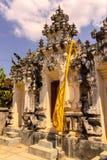 una estatua del guarda del templo, Nusa Penida, Indonesia Foto de archivo