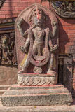 Una estatua en Changu Narayan - el templo más viejo de la Katmandu Imagenes de archivo