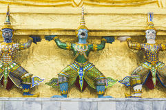 Una estatua en el palacio magnífico, Bangkok imagen de archivo