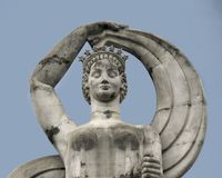Una estatua en la explanada en el parque justo en Dallas fotografía de archivo libre de regalías