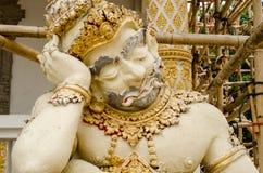 Una estatua gigante de una sentada dormida en Tailandia Imagen de archivo libre de regalías