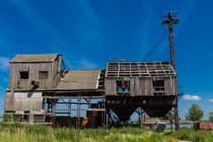 Una fábrica abandonada vieja Proceso del grano imagen de archivo libre de regalías