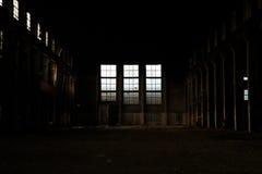 Una fábrica vieja vacía Imágenes de archivo libres de regalías