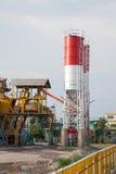 Una fabbrica della pianta del cemento Fotografie Stock Libere da Diritti