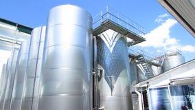 Una fabbrica moderna per fabbricazione in serie dei vini spumanti fotografia stock