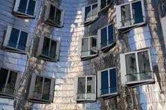 Una fachada de acero (Düsseldorf, Alemania) Imágenes de archivo libres de regalías