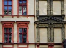 Una fachada de una vivienda del siglo XIX Fotos de archivo libres de regalías