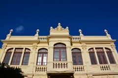 Una fachada decorativa del edificio Imágenes de archivo libres de regalías