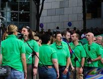 Una fascia che canta al festival 2010 di orgoglio di Dublino LGBTQ Fotografia Stock