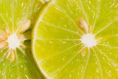 una fetta di 2 limoni Fotografia Stock