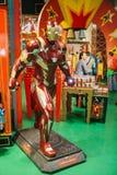 Una figura humano-clasificada del carácter de Ironman en una tienda de juguete Hamleys fotos de archivo