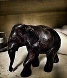 Una figurina dell'elefante immagini stock