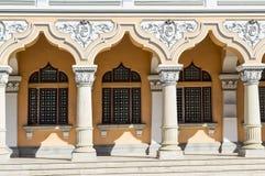 Una fila de columnas hermosas Imágenes de archivo libres de regalías