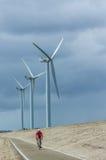 Una fila de las turbinas de viento Imágenes de archivo libres de regalías