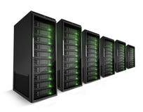 Una fila de servidores con las luces verdes encendido Imagen de archivo libre de regalías