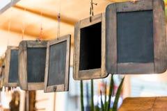 Una fila dei bordi di gesso di legno d'annata Fotografie Stock