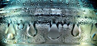 Una fine della bottiglia di acqua su Fotografie Stock Libere da Diritti