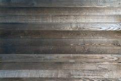 Una fine sulla vista di una parete di legno del pino per gli ambiti di provenienza o carte da parati o qualunque altro uso di pro fotografia stock