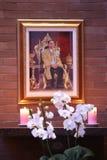 Una foto de rey RamaIX con las velas Imágenes de archivo libres de regalías