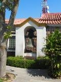 Una foto della campana che appende vicino a Guia Fortress a Macao fotografia stock