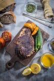 Una foto sabrosa de la cocina del filete de carne de vaca Imágenes de archivo libres de regalías