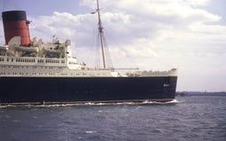 Una fotografía retra del trazador de líneas famoso Queen Mary en su viaje del lst de NY Imagen de archivo