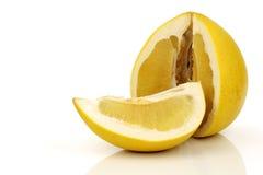 Una frutta del pomelo del taglio Fotografia Stock Libera da Diritti